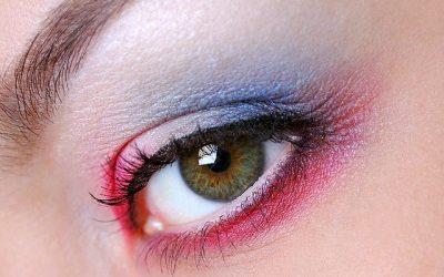 Comment maquiller les yeux marrons?